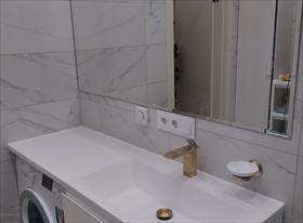 Установка мебели в ванной комнате