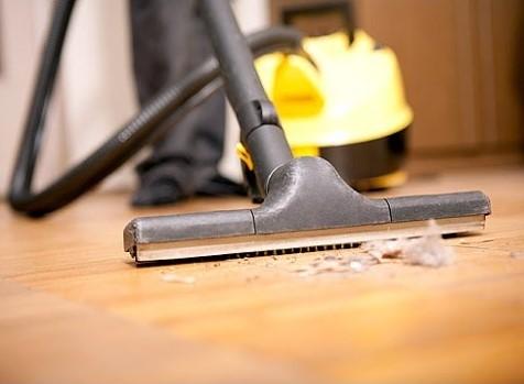 Очистка квартиры от пыли